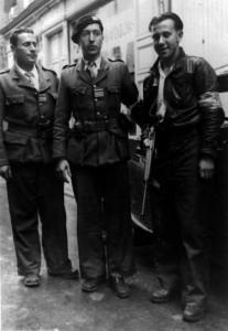 Roger Mercier à gauche, en compagnie de son adjoint Pierre Charié au centre (Droits réservés Musée Départemental de la Résistance et de la Déportation, Lorris