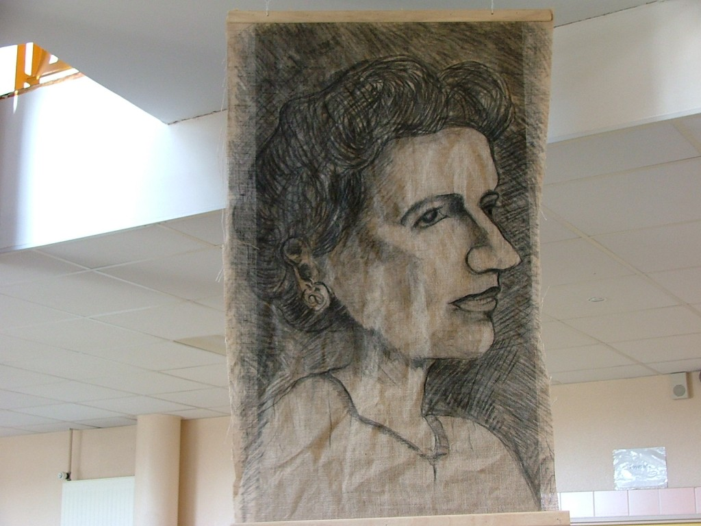 Réalisations d'élèves avec leur professeur d'Arts plastiques Mélanie Cochet