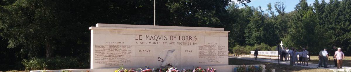 Le monument magnifiquement fleuri au terme de la cérémonie (Droits réservés, AFAAM, Carrefour de la Résistance, 12 août 2018)